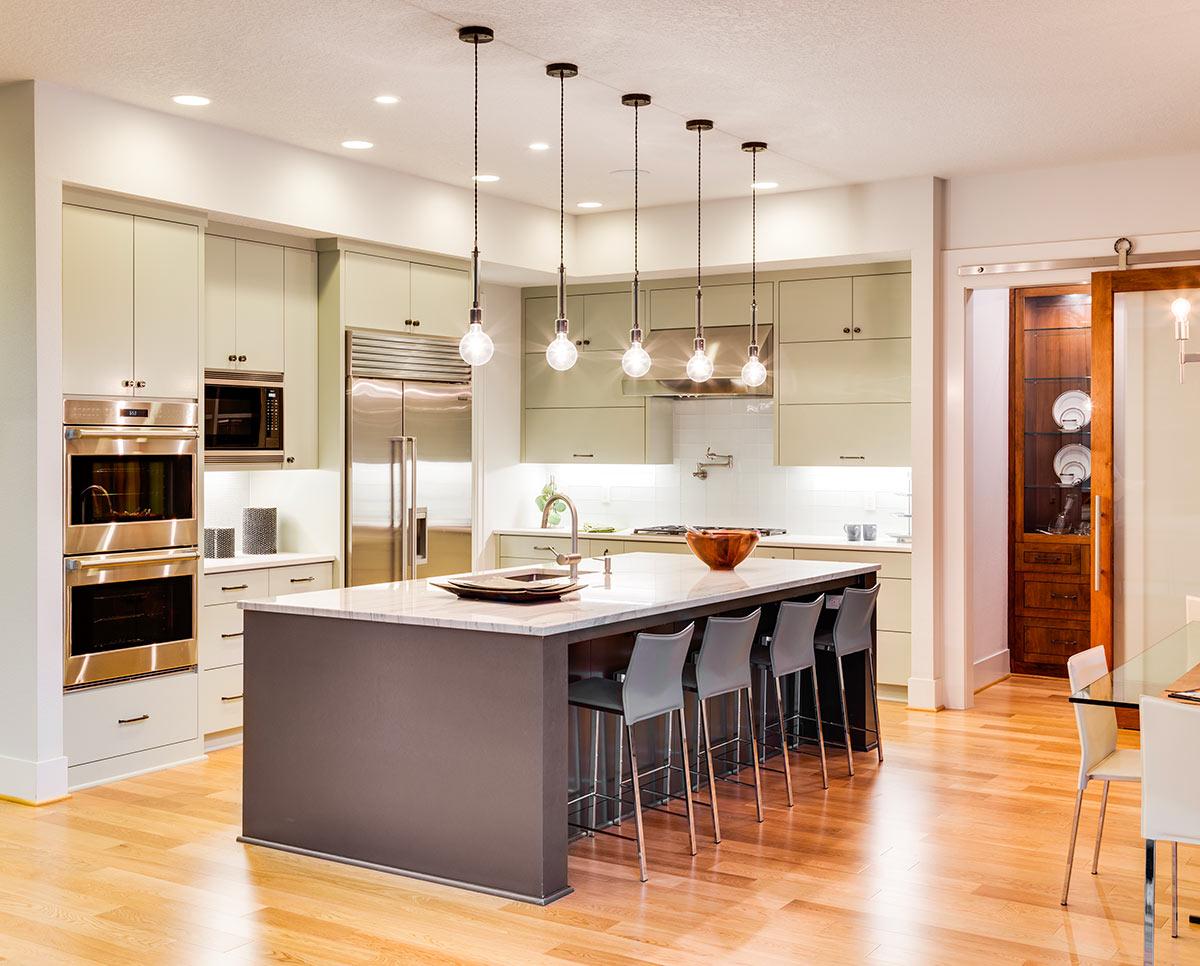 Illuminazione cucina estetica e funzionalità sotto ai riflettori