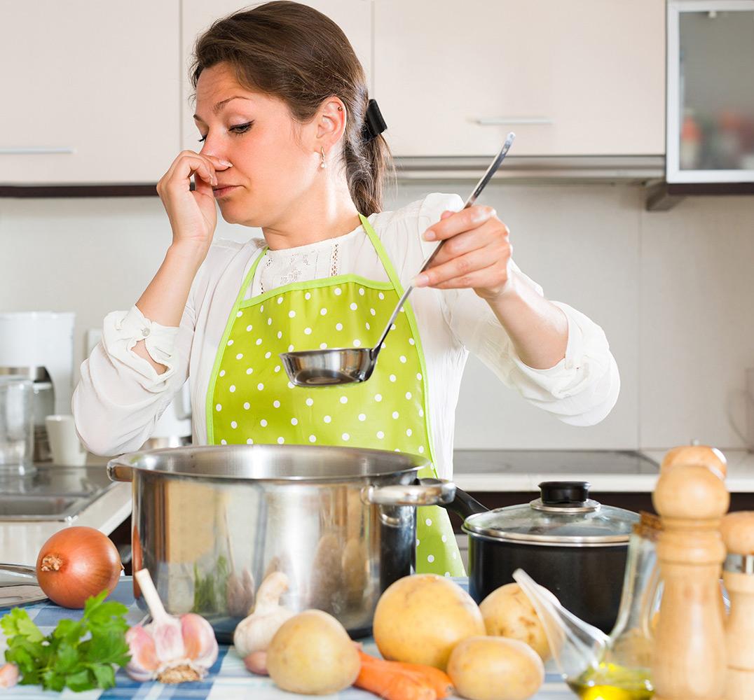 Come eliminare gli odori in cucina faber - Eliminare gli odori in casa ...