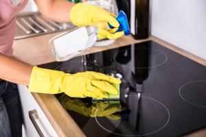Come pulire il piano cottura a induzione in maniera perfetta - Faber