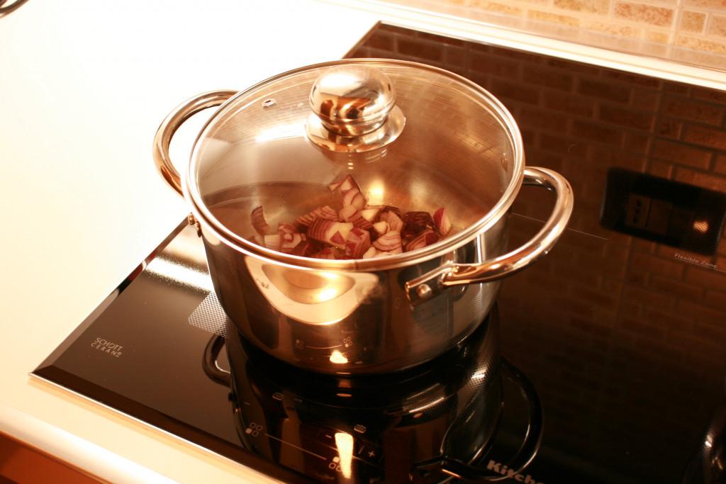 Cucinare con piano cottura induzione